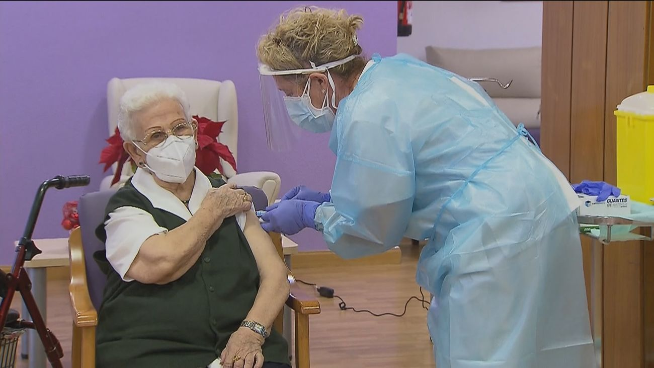 Madrid prevé vacunar a los mayores de 70 a partir de la segunda semana de abril