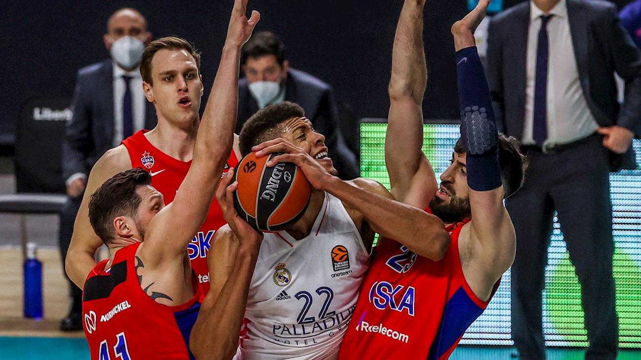 Edy Tavares ante el CSKA