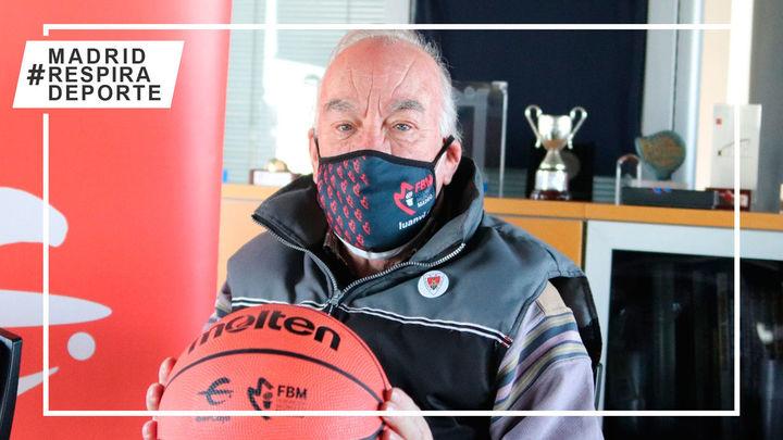 Francisco Antoraz, de 80 años, el árbitro de baloncesto más veterano de España