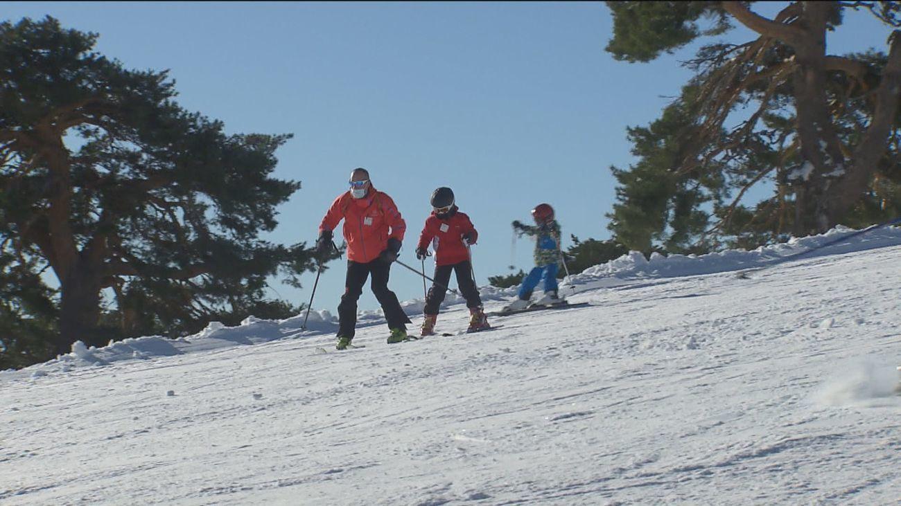 Madrid lamenta el cierre unilateral de las pistas de esquí de Navacerrada por parte del Gobierno central