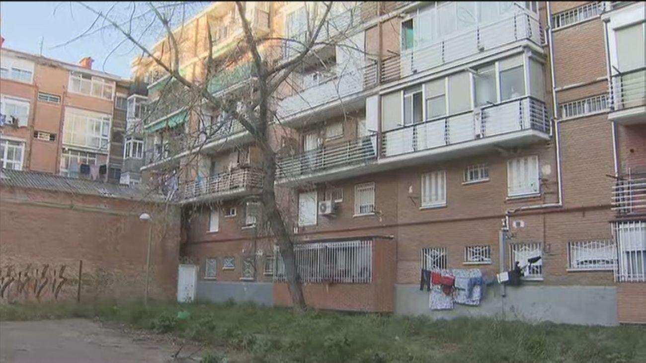 """Sin ascensores en Pinar del Rey por la presencia de un descampado de """"uso deportivo"""""""
