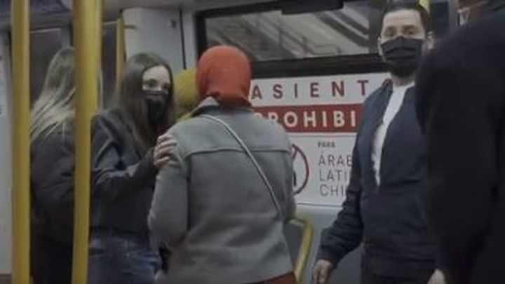 La Comunidad de Madrid difunde en el Metro una campaña de concienciación contra el racismo