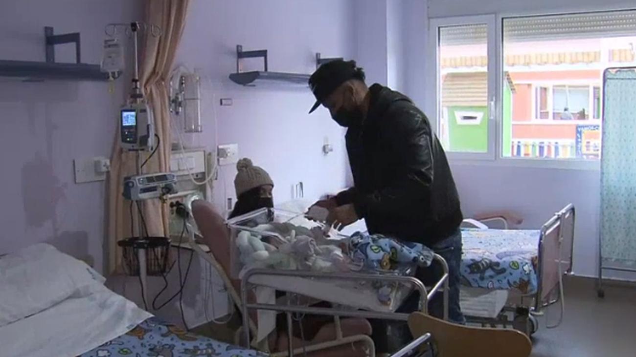 El Hospital de Alcorcón permite la estancia de los padres junto a sus bebés en la UCI