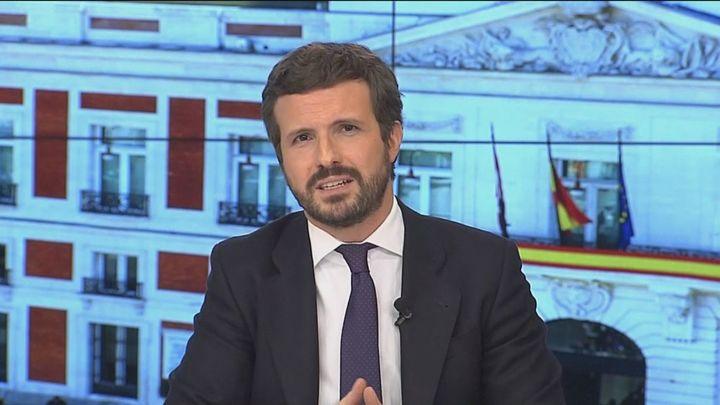 """Casado acusa a Sánchez de intentar """"reventar"""" los gobiernos  del PP con un """"búmeran"""" que le """"ha dado en la cabeza"""""""