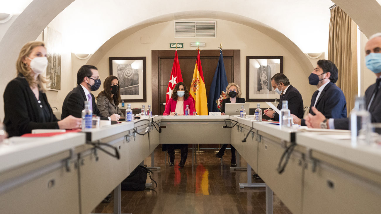 Madrid vuelve a pedir vacunas e insiste en que su capacidad para ponerlas se puede multiplicar por cuatro