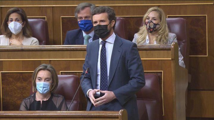 """Casado acusa a Sánchez de """"jugar al Monopoly con las instituciones"""" y este le replica diciendo que """"da pena ver al PP"""""""