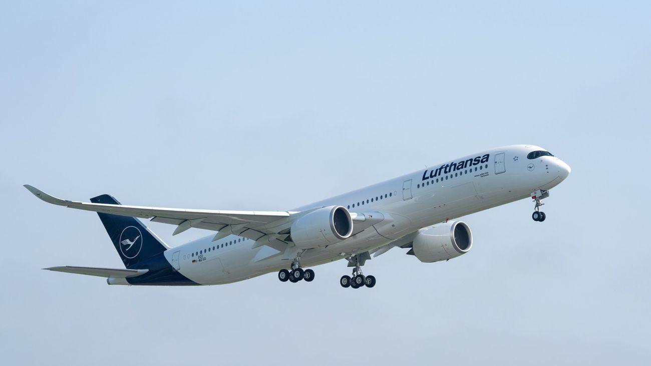 Avión Airbus A350-900 similar al empleado en las pruebas con aceite de fritura