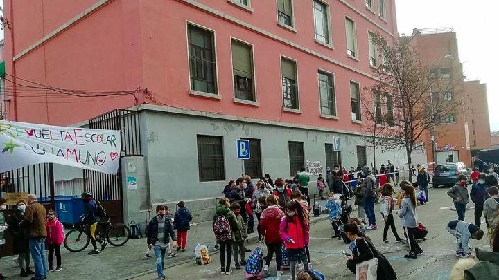 La 'Revuelta Escolar' crece en Madrid para reclamar entornos más seguros y con menos humos