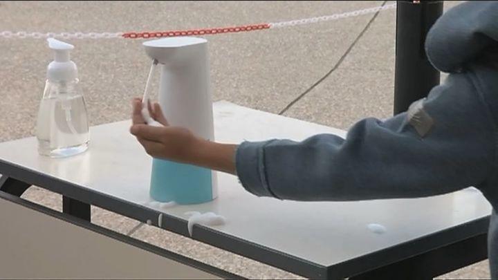 Las lesiones en las manos de los niños se multiplican por diez por el uso del gel hidroalcohólico