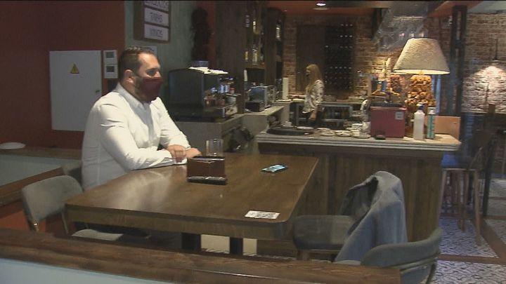 Aprobada la recomendación de cerrar el interior de bares y restaurantes en zonas con una tasa superior a 150