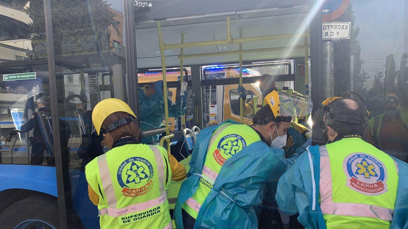 Apuñalada una mujer en un autobús que traslada a personas sin hogar en Madrid