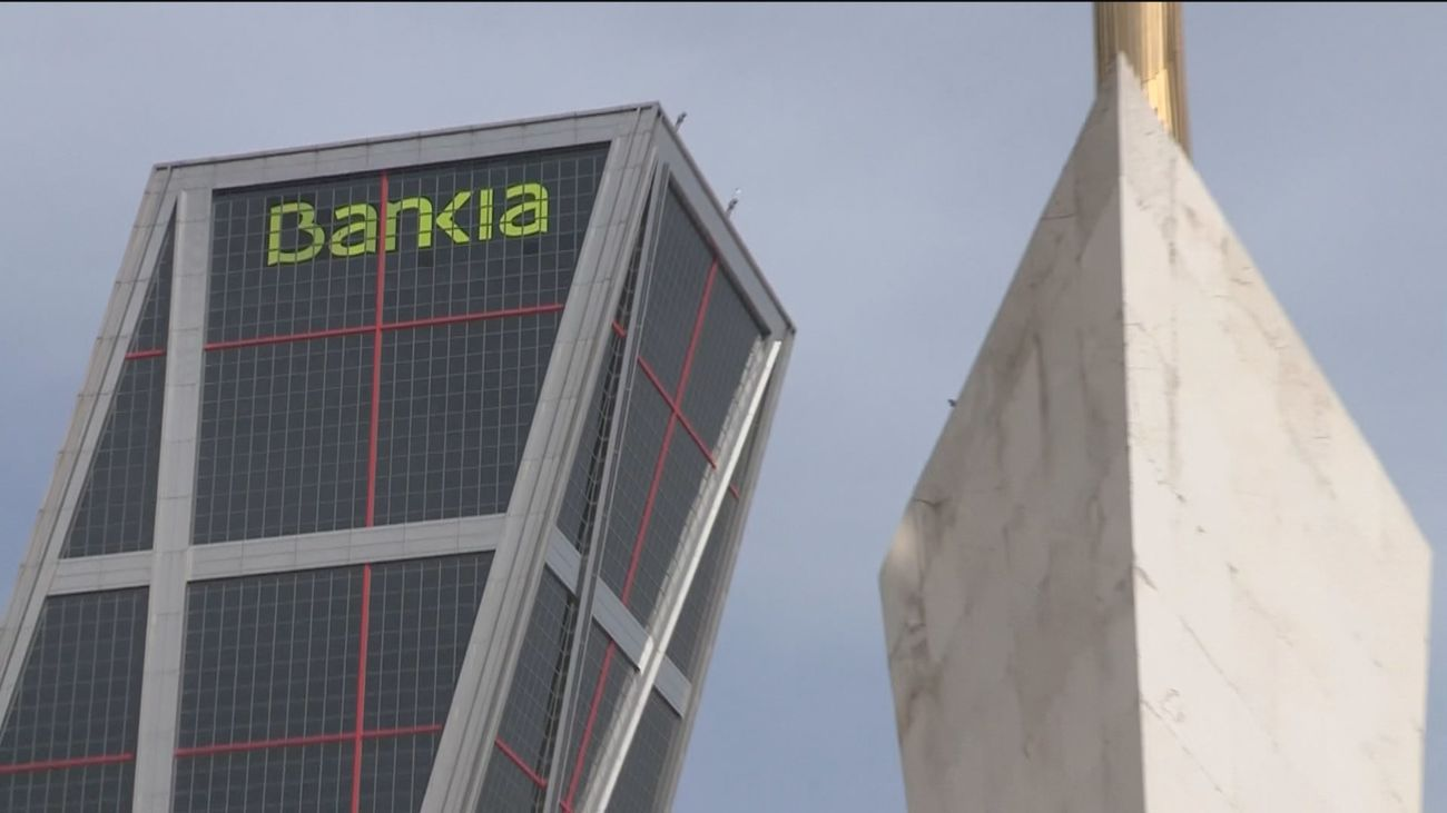 La marca Bankia desaparecerá este fin de semana de los edificios emblemáticos de la entidad