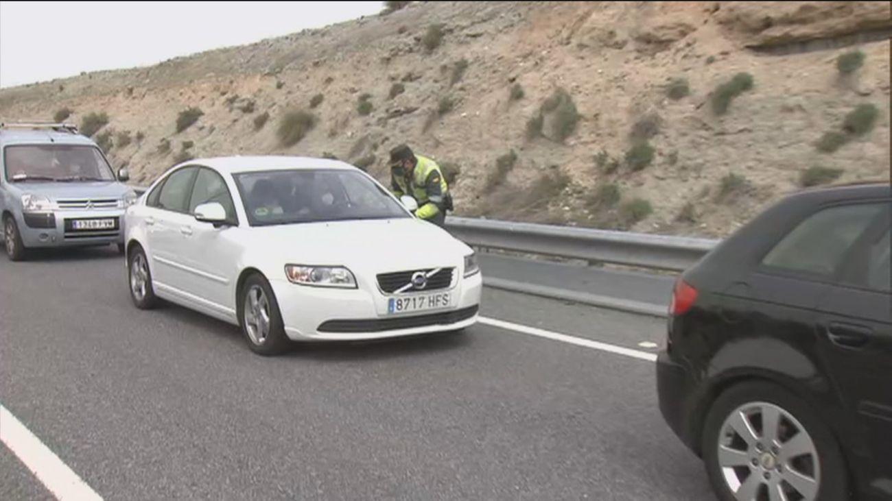 Normalidad en las salidas de Madrid en el segundo día del cierre perimetral