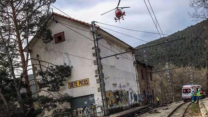Herido un joven al caer de la catenaria de la estación de Cercedilla