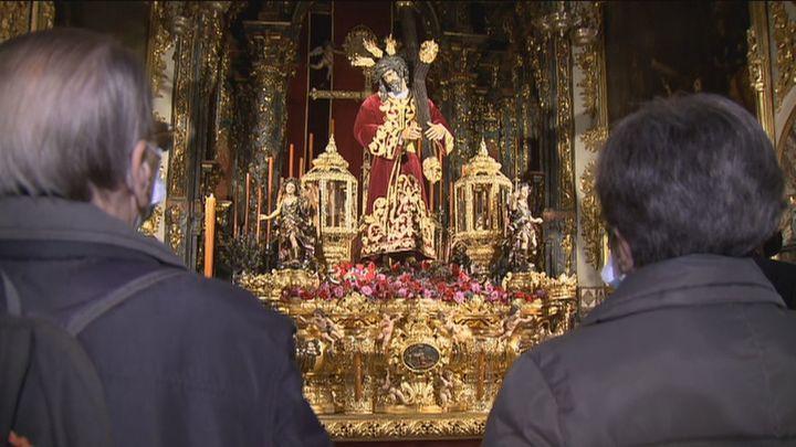Visita a los templos, la otra Semana Santa de Madrid en plena pandemia