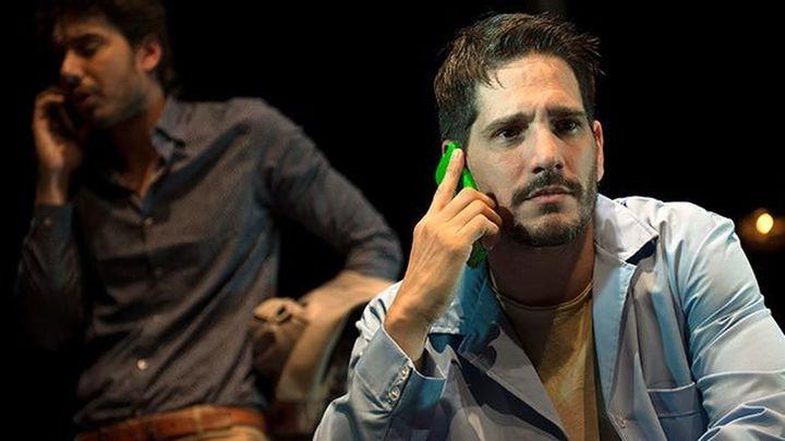 'Próximo' en el Teatro Infanta Isabel, cuando las nuevas tecnologías unen en lugar de separar