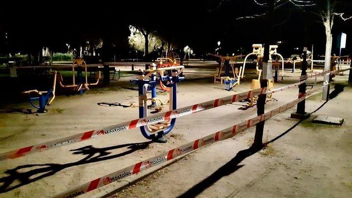 Los vecinos de Guadarrama recogen firmas para que reabran los parques infantiles