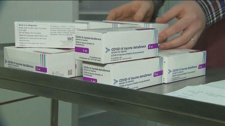 Más de dos millones de dosis llegan a España, un millón de la vacuna de AastraZeneca