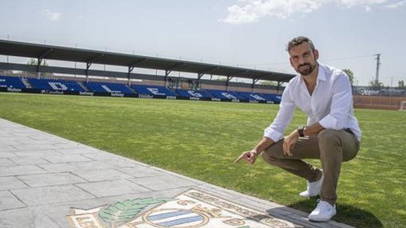 Carlos Martínez, entrenador del Leganés B, único equipo invicto del fútbol español