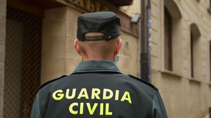 La Guardia Civil detiene a tres personas por robar en un taller de Lozoyuela