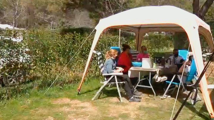 Descubre cómo acampar en la 'playa' sin salir de Madrid