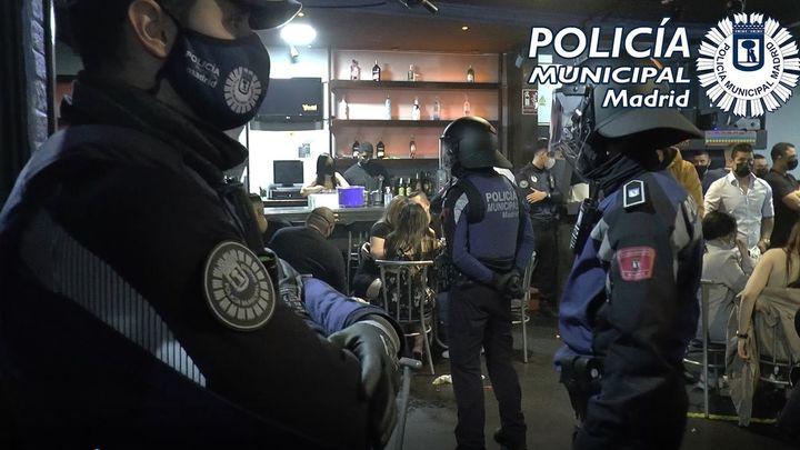Aumentan en Semana Santa las sanciones por incumplir el toque de queda y bajan las impuestas por fiestas, en Madrid