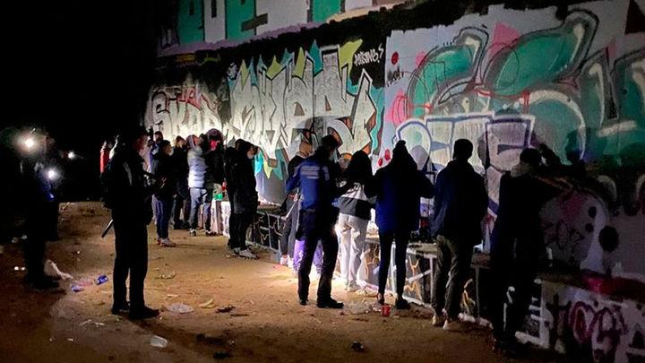 La Policía Municipal interviene una fiesta rave tras el toque de queda en el distrito de Hortaleza