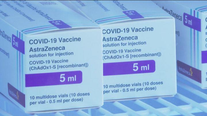 """La  Agencia Europea del Medicamento confirma el """"posible vinculo"""" AstraZeneca con casos raros de coagulación"""
