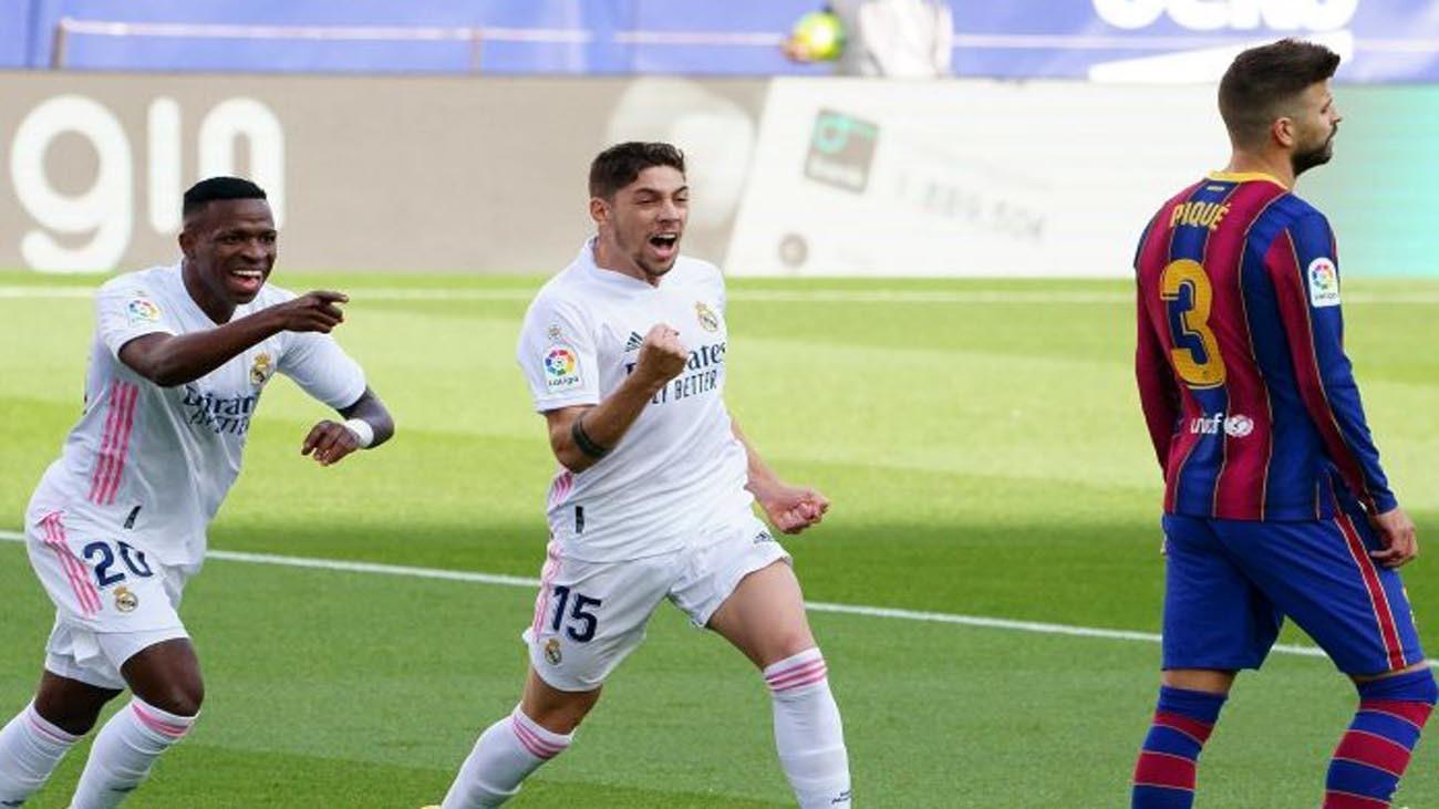 Vinicius y Valverde ante el Barcelona