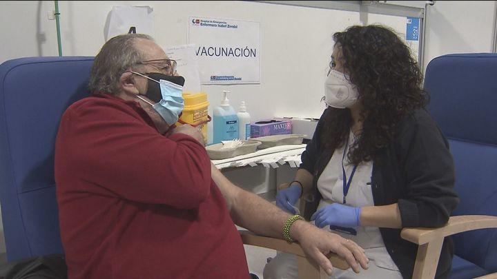 Sanidad amplía el límite de edad de vacunados con AstraZeneca hasta los 69 años