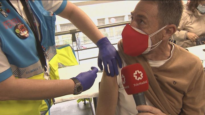 Nos vacunamos contra el Covid en el Wizink Center