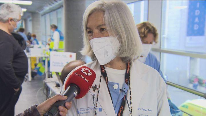 Enfermeras jubiladas aportan su experiencia con generosidad y se suman a la cadena de vacunación de Madrid