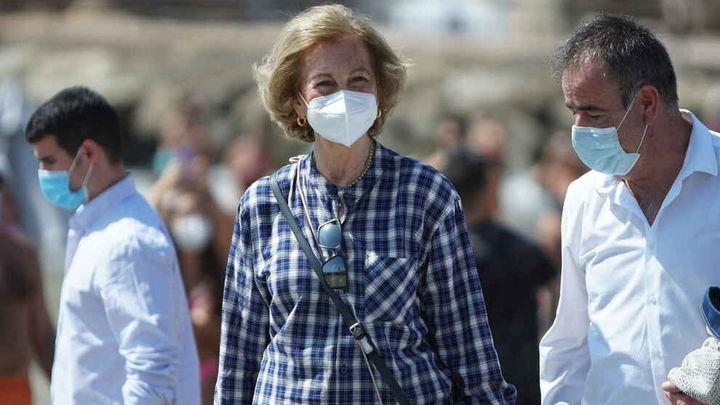 La reina Sofía recibe la segunda dosis de la vacuna contra la covid-19