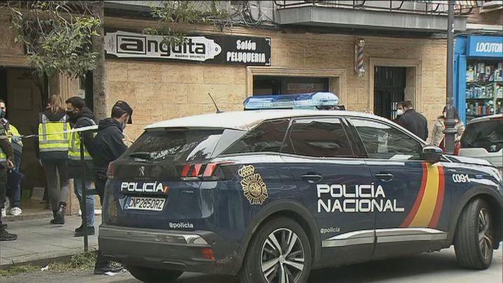 La Policía busca a los autores del disparo en la peluquería de Villaverde Bajo