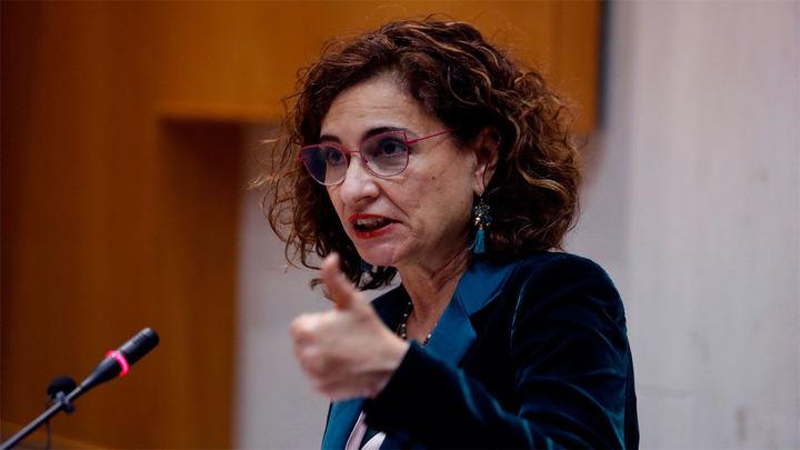 Montero espera que las subidas de Sociedades, Patrimonio y Sucesiones entren en vigor en 2022