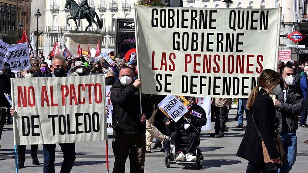 Manifestación en defensa del sistema público de pensiones en Madrid