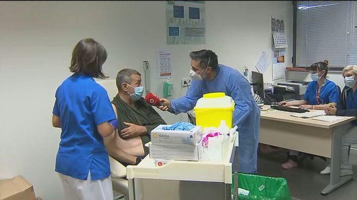 Empieza la vacunación para pacientes de alto riesgo en Madrid