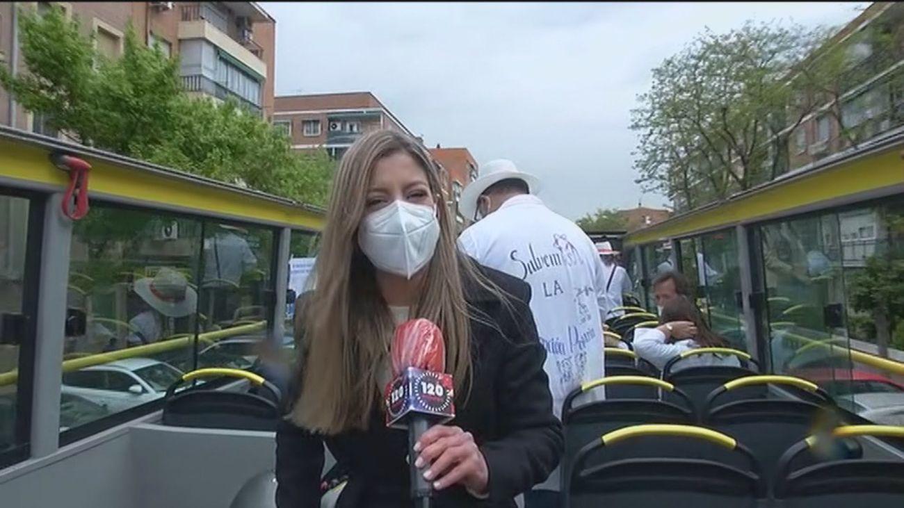 """Un bus con médicos recorre Madrid para visibilizar la """"precaria situación"""" de la Atención Primaria"""