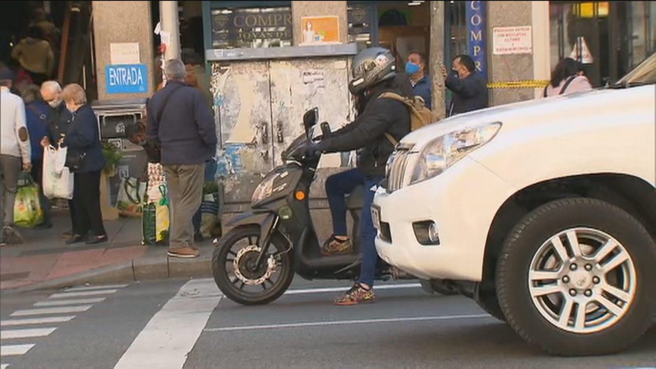 Madrid crea un proyecto piloto de carril 'avanza moto' en la avenida de Asturias