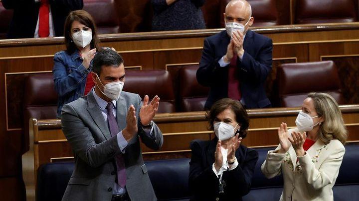 Sánchez insiste en no ampliar el estado de alarma y Casado le ofrece un 'plan B'