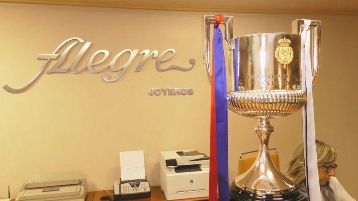 Así se hace el trofeo de la Copa en la Joyería Alegre de Madrid