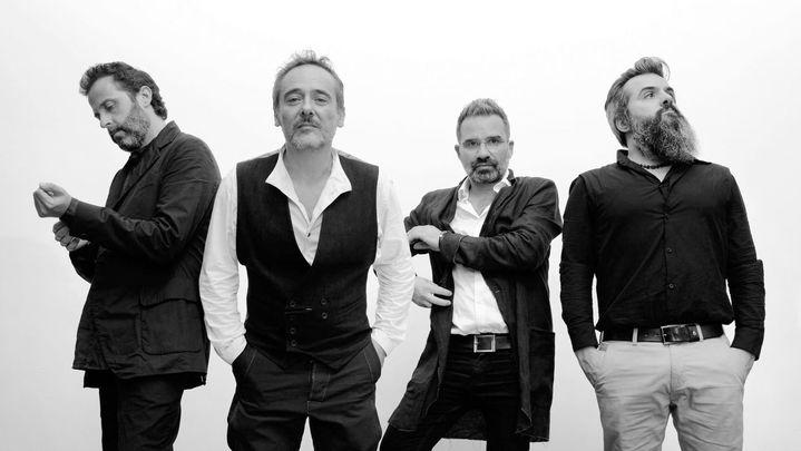 Love of Lesbian presentan nuevo disco, 'V.E.H.N.' , tras el éxito de su histórico concierto en Barcelona