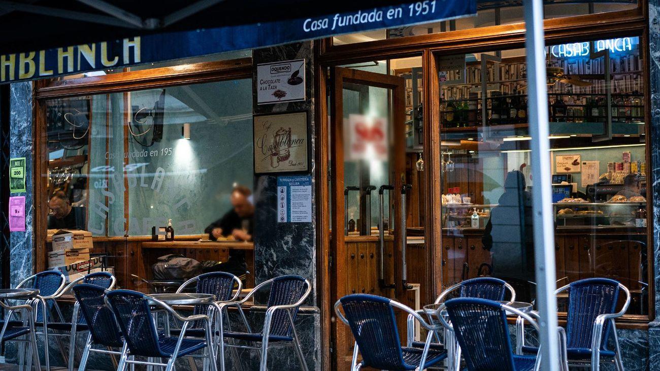 Lo último en hostelería: Pujar por sentarte en una terraza