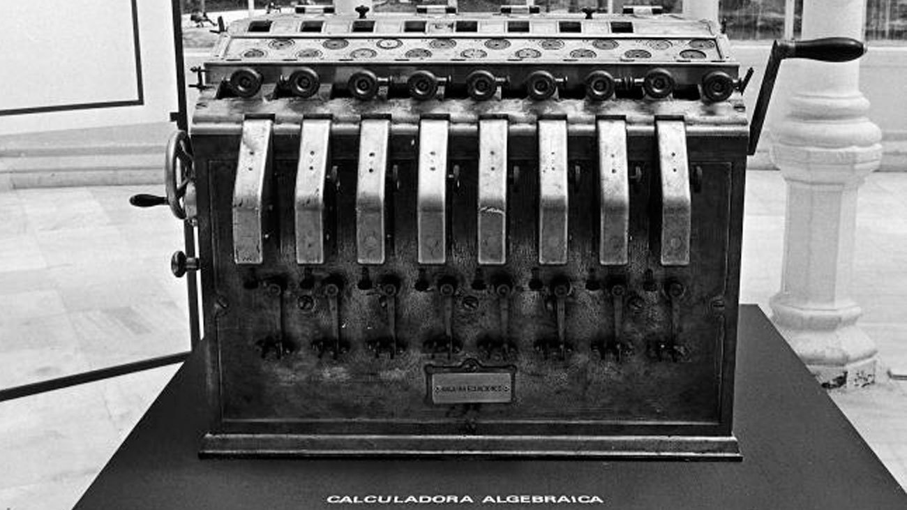 Primera máquina de álgebra, de Torres Quevedo