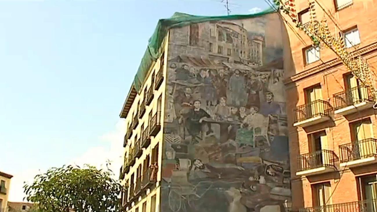 El mural gigante de la Plaza de Cascorro, obra de Cavestany, será restaurado
