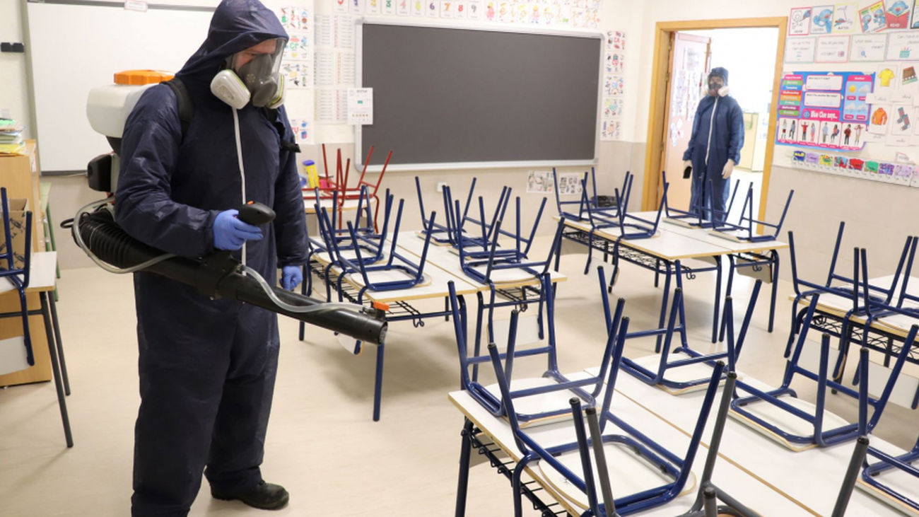 Tratamiento contra la Covid en un centro escolar de Pozuelo de Alarcón