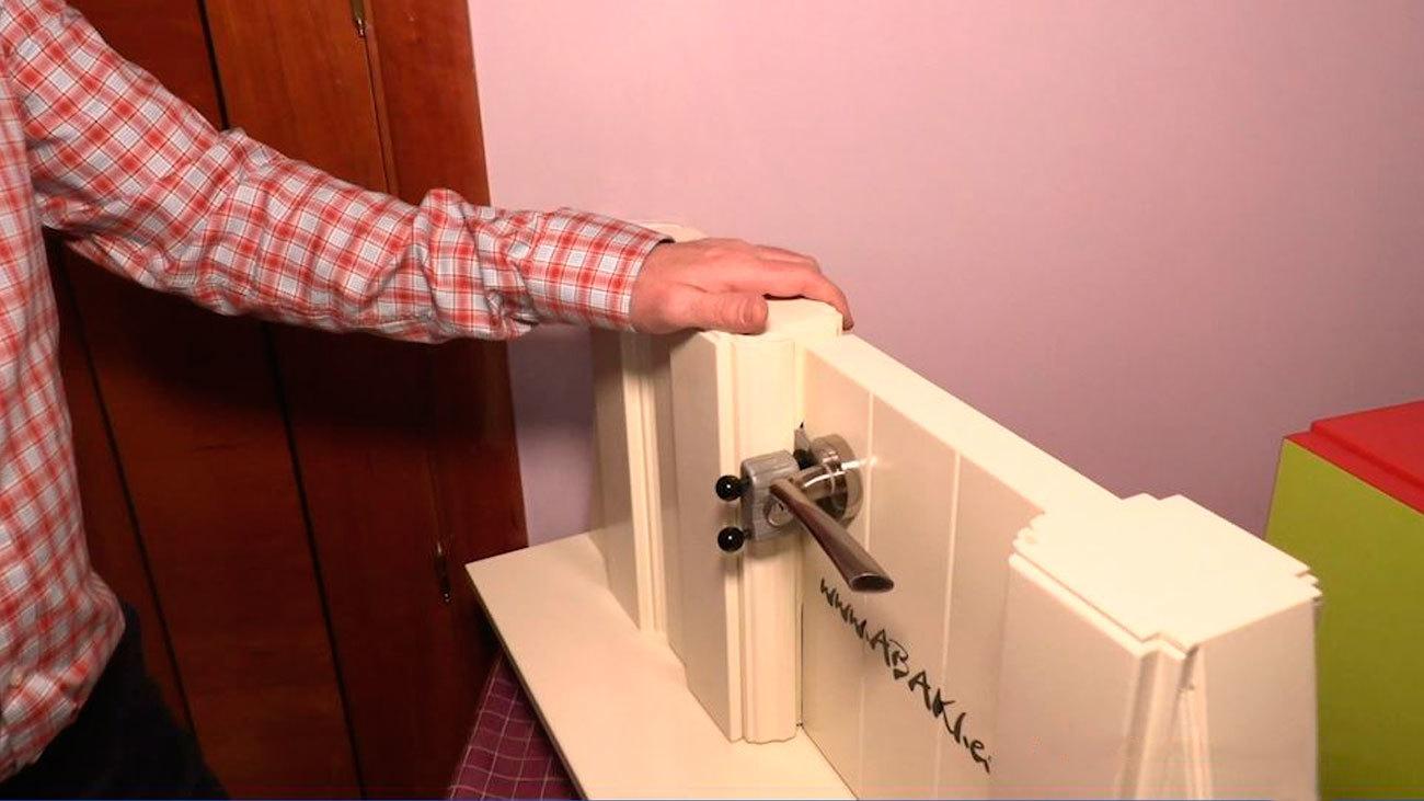 Un madrileño inventa la cerradura portátil que puedes instalar sin herramientas
