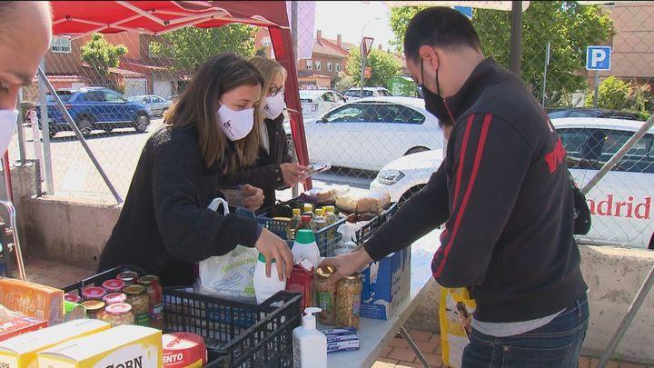 Recogida solidaria de alimentos y productos de higiene en Rivas