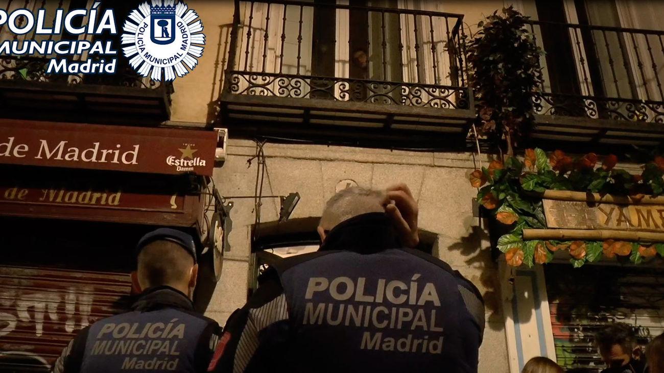 Intervención de la Policía Municipal en un local del distrito Centro
