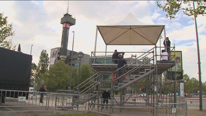 Así es el montaje exterior preparado por Telemadrid para seguir el inicio del debate electoral